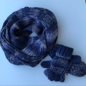 Winter infinity scarf and mittens / finger cutouts